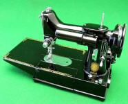 Black Singer Featherweight 222 Freearm Sewing Machine